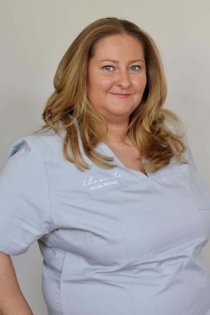 Nicole Kienast Zahnmedizinische Fachangestellte