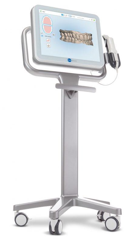Intraoralscanner mit Kiefer Abbildung auf Bildschirm